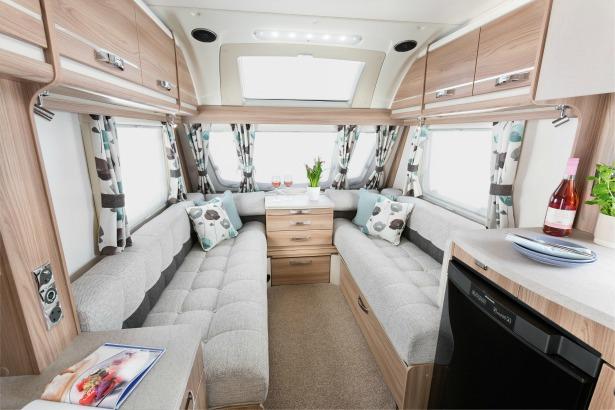 Swift Challenger Sport 442 interior